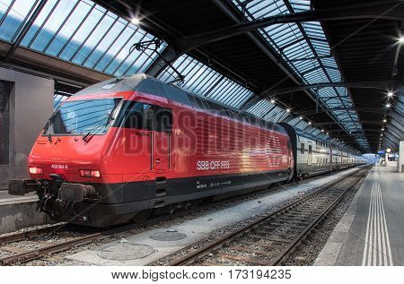 Zurich, Switzerland - 9 October, 2016: a train of the Swiss Federal Railways at a platform of the Zurich main railway station. Zurich main railway station (German: Zurich Hauptbahnhof or Zurich HB) is the largest railway station in Switzerland.