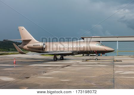 Phuket Thailand - Oct 16, 2016: 1994 Dassault Aviation Falcon 2000 (reg N925AJ) arriving at the Phuket Thailand International Airport .