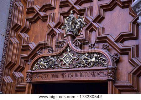 Door of the Metropolitan Cathedral Basilica of Barcelona (focus)
