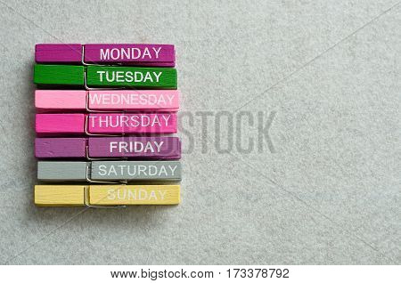 Monday to Sunday written on cloth pegs