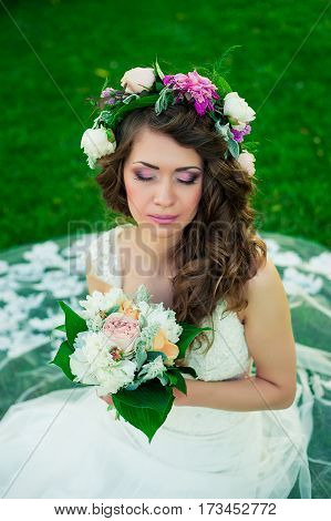 Portrait of the bride. Wedding dress. MakeupHairstyle