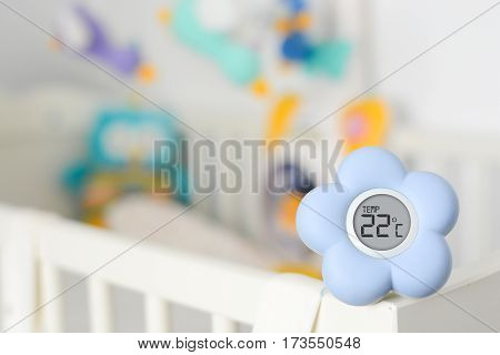 Blue flower shaped baby room temperature monitor