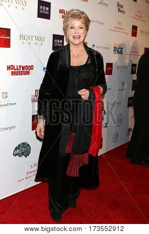 LOS ANGELES - FEB 26:  Gloria Loring at the Style Hollywood Oscar Viewing Dinner at Hollywood Museum on February 26, 2017 in Los Angeles, CA