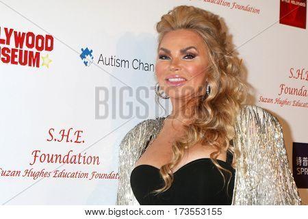 LOS ANGELES - FEB 26:  Suzan Hughes at the Style Hollywood Oscar Viewing Dinner at Hollywood Museum on February 26, 2017 in Los Angeles, CA