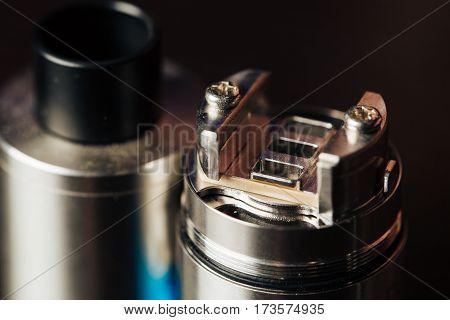 Макро снимок электронной сигареты,вэйп,испаритель,новый способ бросить курить