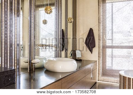 Elegant Fancy Bathroom