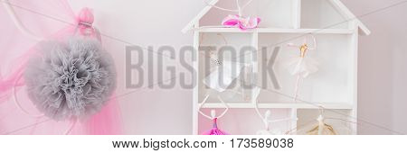 Doll House With Ballerinas