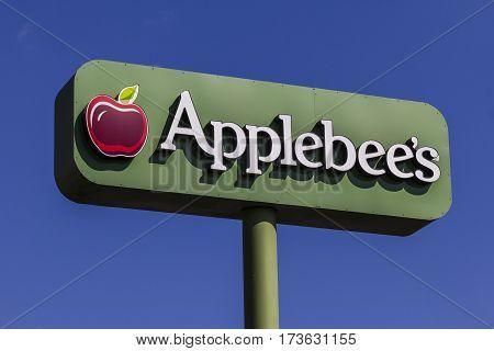 Indianapolis - Circa February 2017: Applebee's Neighborhood Grill and Bar Casual Restaurant. Applebee's is a subsidiary of DineEquity Inc. IV
