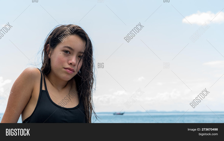 Teen girl beach pics