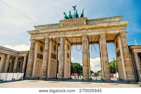 Berlin. Germany-may 31. 2017 : Brandenburg Gate At Sunny Day In Berlin. Germany. Brandenburg Gate Is