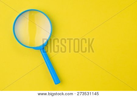 Blue Magnifying Glass, Magnifier On Yellow Background With Copy Space Using As Search, Transparent,