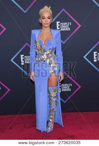 LOS ANGELES - NOV 11:  Rita Ora arrives for the 2018 People's Choice Awards on November 11, 2018 in Santa Monica, CA