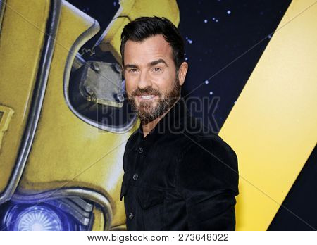 Justin Theroux at the World premiere of 'Bumblebee' held at the TCL Chinese Theatre IMAX in Hollywood, USA on December 9, 2018.