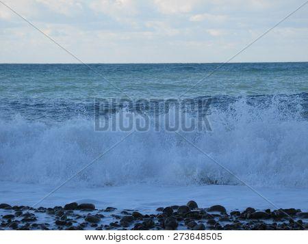 Turkey White Waves On The Peach Zonguldak