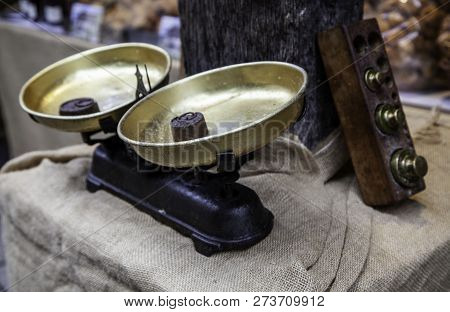 Old Weighing Scale, Tool Detail For Weighing Food
