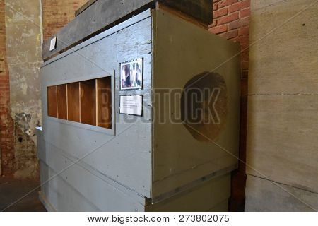 Mansfield, Oh, May 29, 2018, Ohio State Reformatory, Former Prison, Tunnel Movie Prop For The Filmin