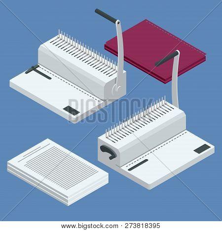 Isometric Binder Machine. Binding Documents With Plastic Ring Binder By Using Ring Binding Machine F