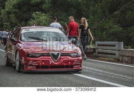 Skradin Croatia June 2020 Red Black Alfa Romeo 156 Stw From Sternad Racing Descending From A Hill Af