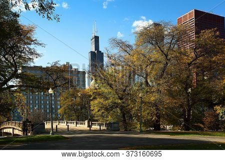 Chicago, Illinois/usa-october 15 2016: Grant Park Chicago With Blue Sky And Fall Leaves On October 1