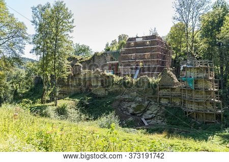 Remains Of The Falkenstein Castle Ruins In Austria - Ruin
