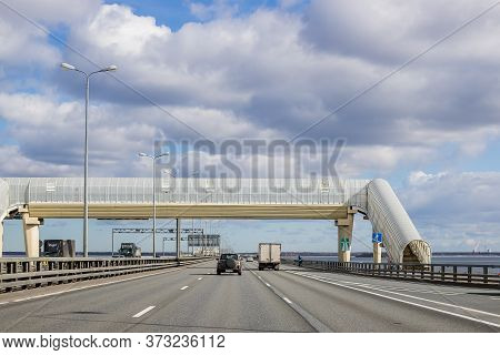 Saint-petersburg, 1 May, 2020.pedestrian Crossing Over Highway.an Elevated Pedestrian Crossing Over