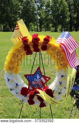 Washington Dc, Usa - May 02, 2019: Flower Bouquet At The Vietnam Veterans Memorial In Washington Dc.