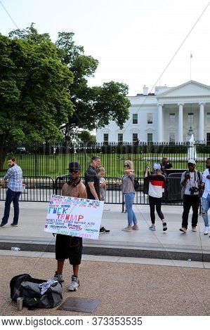 Washington Dc, Usa - May 02, 2019: Homeless Man In Front Of White House. Washington Dc. Usa