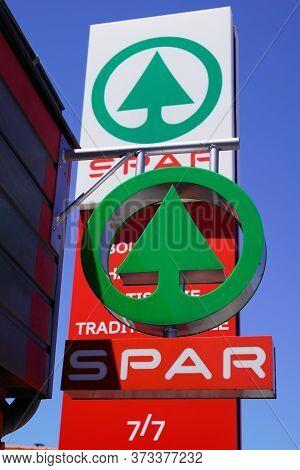 Bordeaux , Aquitaine / France - 06 20 2020 : Spar Market Logo Sign Of Supermarket Multinational Dutc