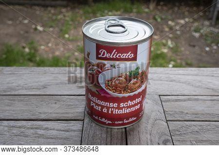 Sint Gillis Waas, Belgium, June 12, 2020, Tin Meatballs In Tomato Sauce With Pasta The Italian Way