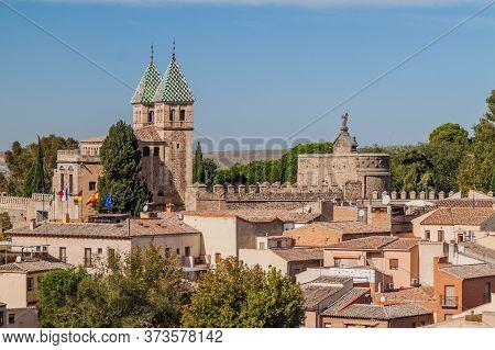 Puerta De Bisagra Nueva City Gate Of Toledo, Spain