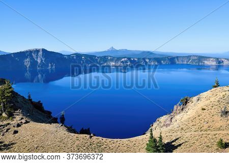 Crater Lake, Mt. Bailey, Llao Rock , Diamond Peak And Mt. Thielsen (looking From Summit Of Garfield