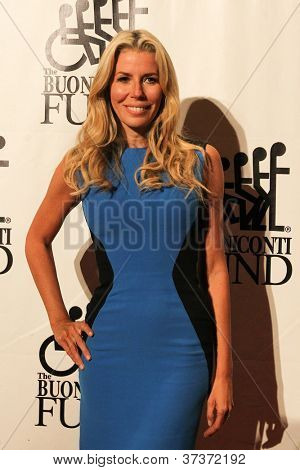 NEW YORK-SEPT. 24: TV personality Aviva Drescher attends the 27th annual Great Sports Legends Dinner for the Buoniconti Fund at the Waldorf-Astoria on September 24, 2012 in New York City.