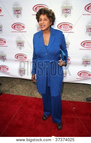 LOS ANGELES - SEP 29:  Marla Gibbs arrives at the 40th Anniversary of