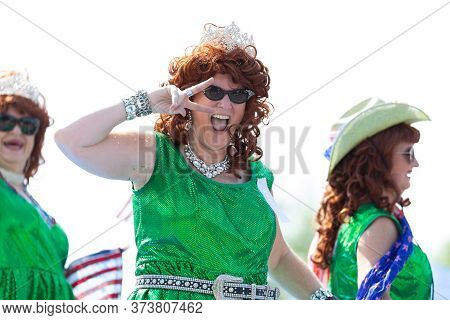 Arlington, Texas, Usa - July 4, 2019: Arlington 4th Of July Parade, The Pickle Parade Queens On A Fl