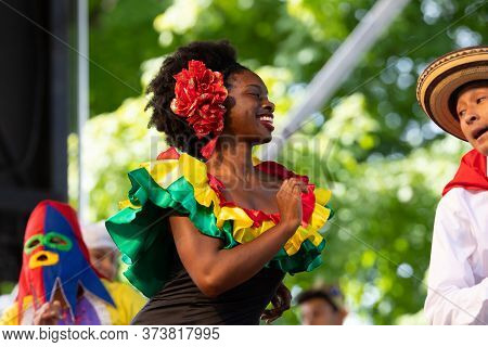 St. Louis, Missouri, Usa - August 24, 2019: Festival Of Nations, Tower Grove Park, Members Of The Fo