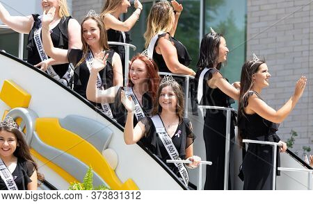 Indianapolis, Indiana, Usa - May 25, 2019: Indy 500 Parade, The Festival Princesses, Being Transport