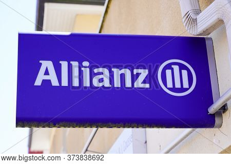 Bordeaux , Aquitaine / France - 06 01 2020 : Allianz Sign Logo On Office Of Financial Services Provi