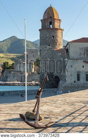 Beautiful Autumn Day In The Tourist City Of Colliure In Occitania Whit On Back The Church Of Notre D