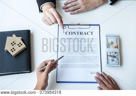 Estate Agent Broker Pointing Contract Form To Client Signing Agreement Contract Real Estate With App