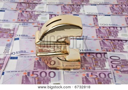 500 Euro Bills And Gold Euro Sign