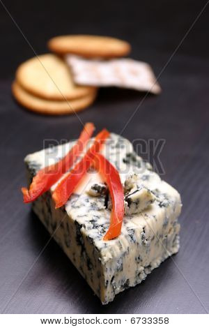 Herbed cheese and crackers