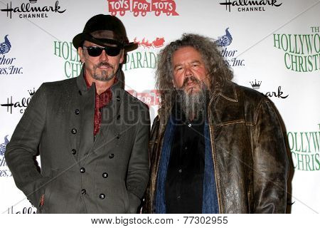 LOS ANGELES - NOV 30:  Tommy Flanagan, Mark Boone Junior at the 2014 Hollywood Christmas Parade at the Hollywood Boulevard on November 30, 2014 in Los Angeles, CA