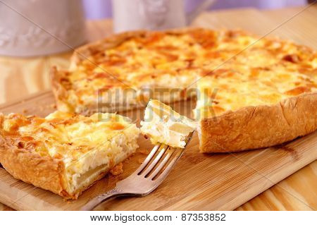Pear pie with cheese