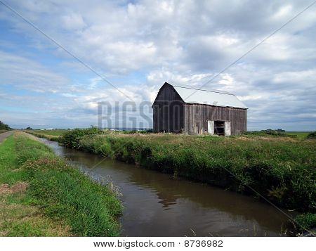 Barn and Big Sky