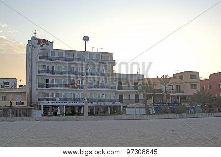 Hotel Rodes Before Sunrise