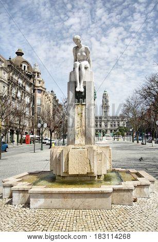 Fountain on Avenida dos Aliados in Porto, Portugal