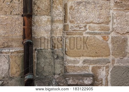 Stone Wall Details And Gutter