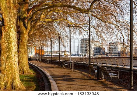 Thames Path at Island Gardens in London