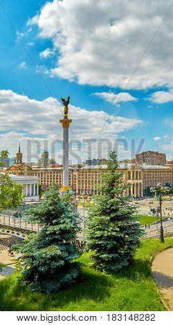 Ukraine Kiev Khreshchatyk and Maidan Nezalezhnosti in spring
