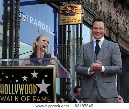 LOS ANGELES - APR 21:  Anna Faris, Chris Pratt at the Walk of Fame Star Ceremony on the Hollywood Walk of Fame on April 21, 2017 in Los Angeles, CA
